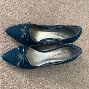 Karen Scott short heels